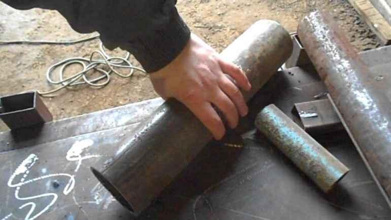 Как ровно отрезать трубу: какие инструменты можно использовать, болгарка для труб большого диаметра и профильных труб, как отпилить