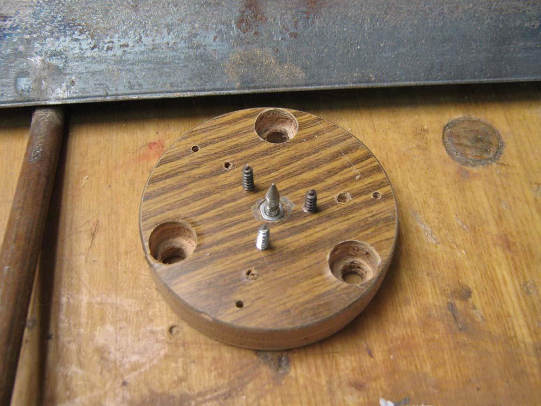 Патрон зажимной для токарного станка по дереву