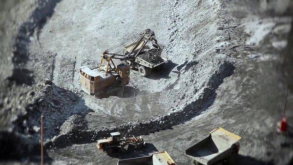 Железная руда — официальная minecraft wiki