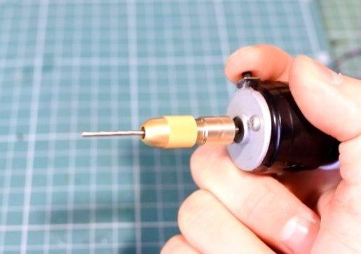 Как собрать мини-дрель или гравер своими руками