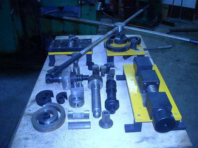 Станок для холодной ковки своими руками: гнутики, оборудование и инструмент для художественной ковки