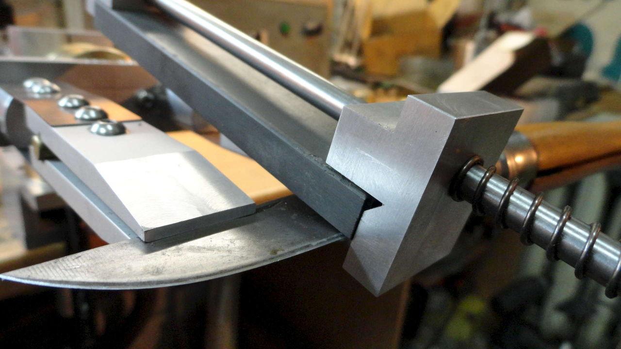 Как правильно заточить нож: бруском вручную в домашних условиях, точилка для ножей