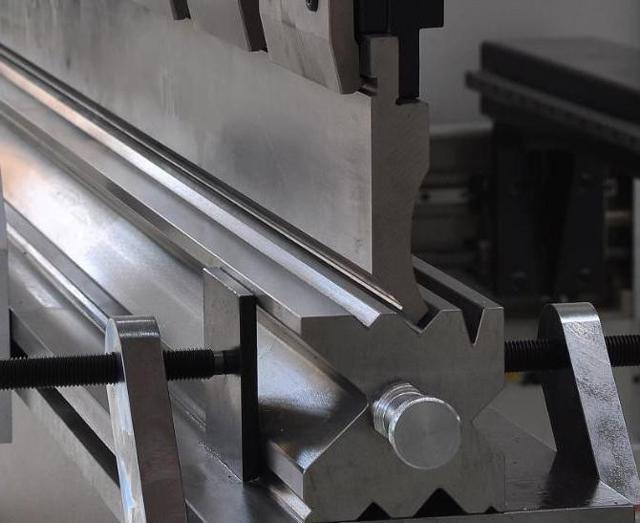 Конструкция и принцип работы гибочных станков для листового металла