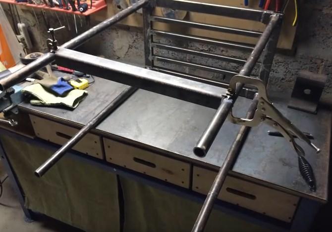 Оборудуем рабочее место, изготовив сварочный стол своими руками из профильной трубы с чертежами и фото