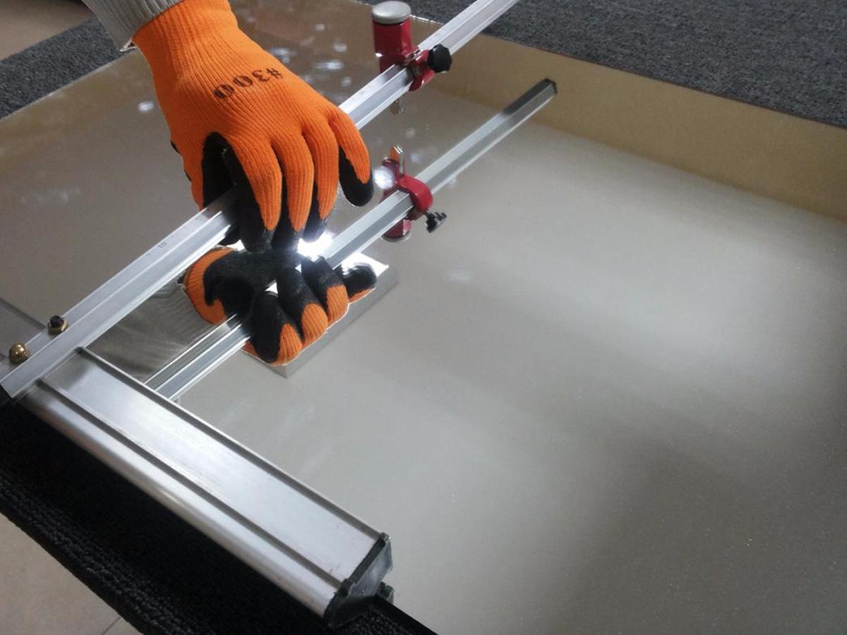 Как разрезать бронированное стекло. как отрезать каленое стекло – простыми словами о сложном процессе