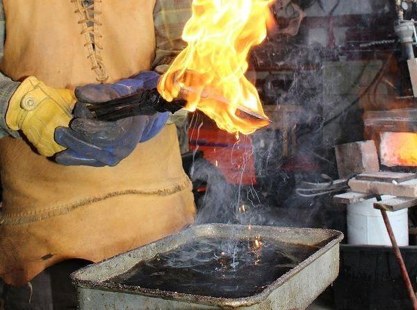 Закалка стали: виды, способы охлаждения, оборудование, дефекты