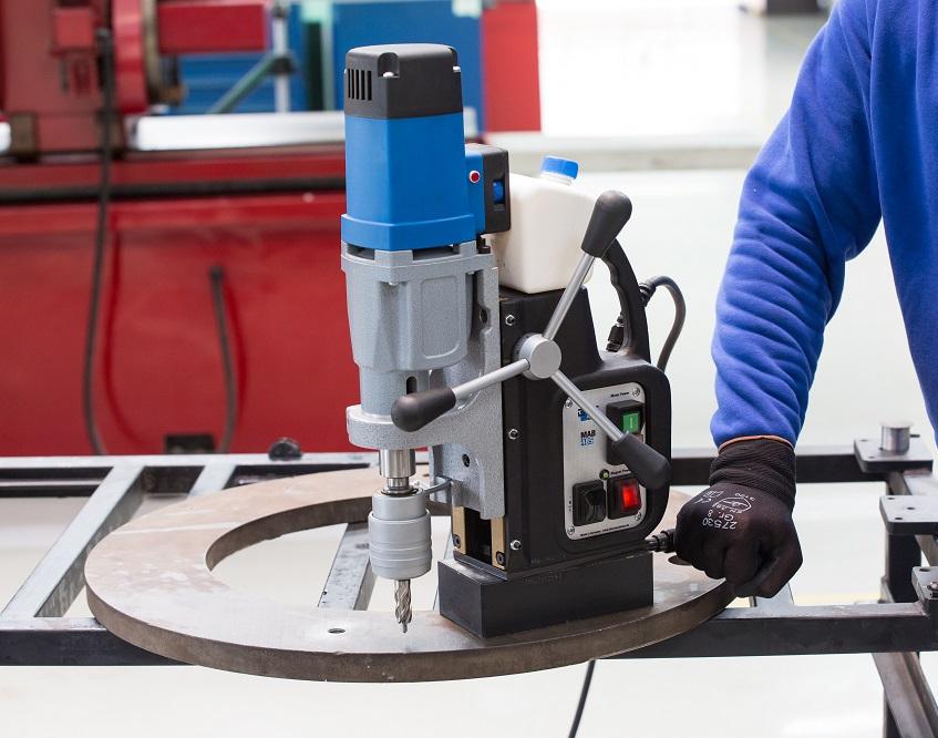 Сверлильные станки по металлу: характеристики оборудования