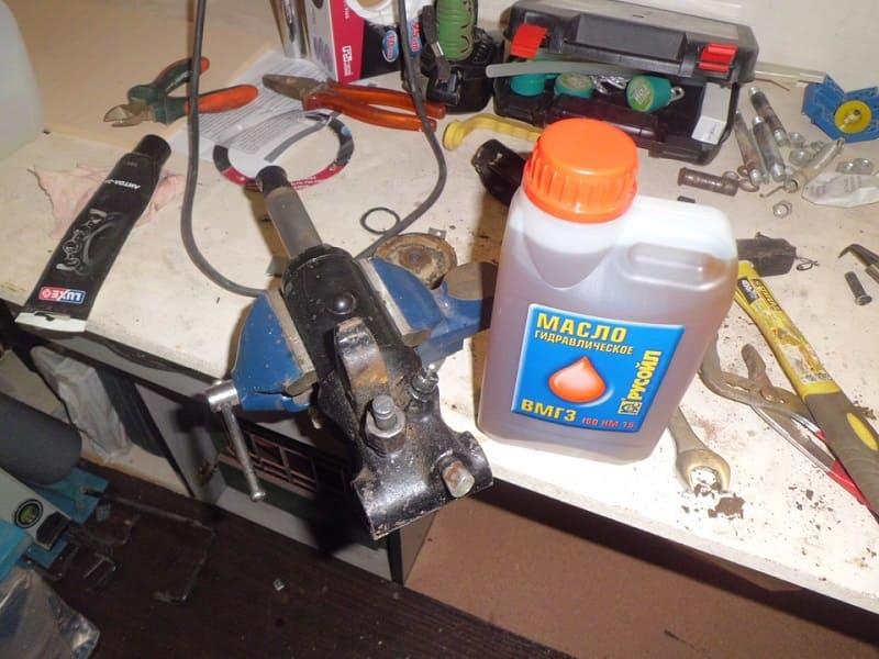 Как правильно прокачать домкрат гидравлический подкатной 2т