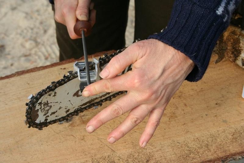Как заточить цепь бензопилы: инструменты и особенности заточки своими руками, полезные советы