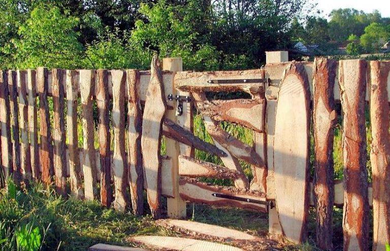 Что можно сделать из горбыля? мебель и ворота, обшивка стен и потолка, фасад и детский домик, постройки и изделия своими руками