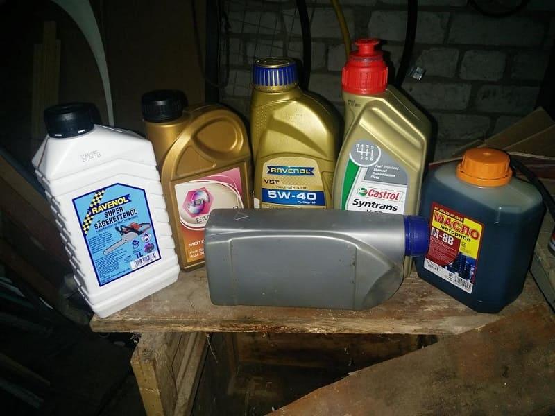 Выбираем масло для бензопилы правильно