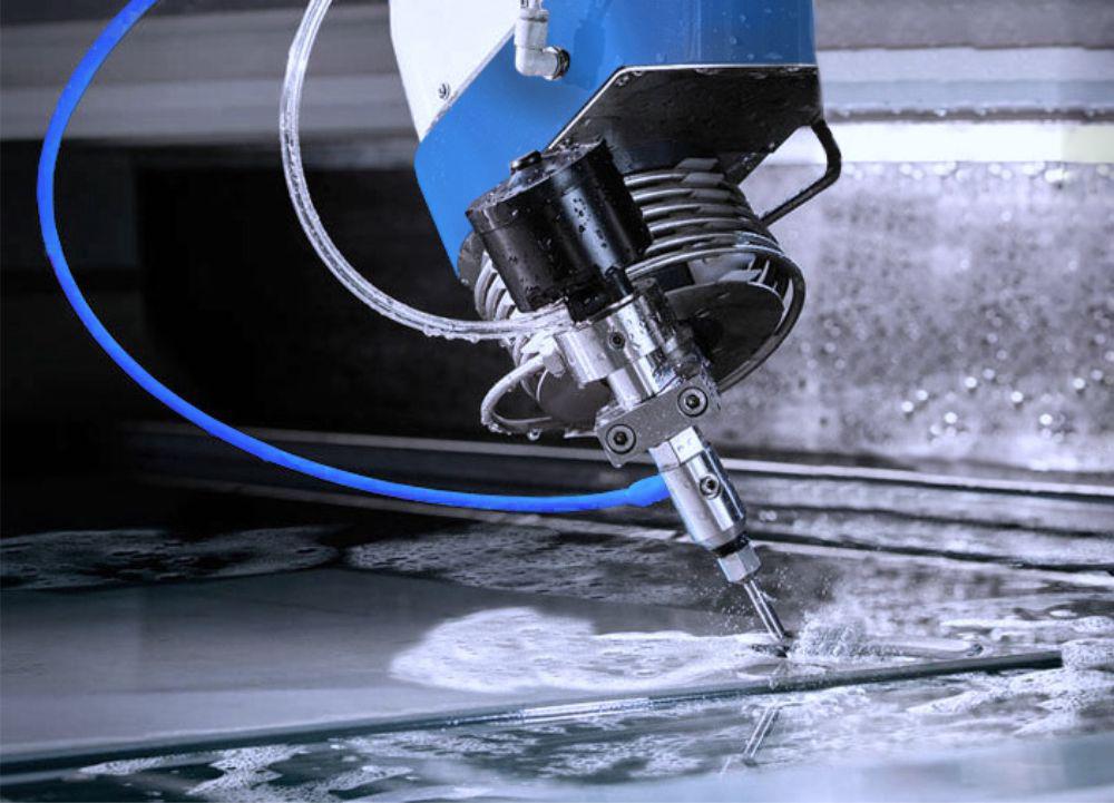 Резка водой металла (гидроабразивная резка): технология и принципы работы