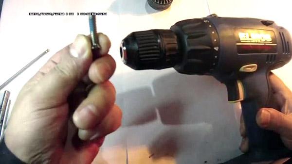 Как снять патрон с шуруповерта bosch - moy-instrument.ru - обзор инструмента и техники