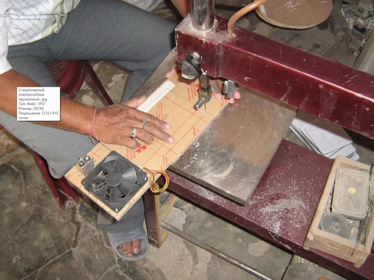 Самоделки из швейной машинки: лобзик и небольшой столик