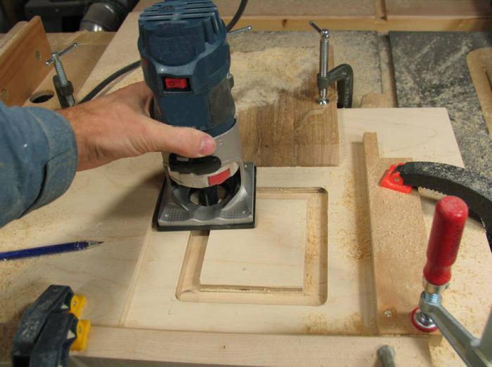 Как выбрать ручной фрезер по дереву погружного типа