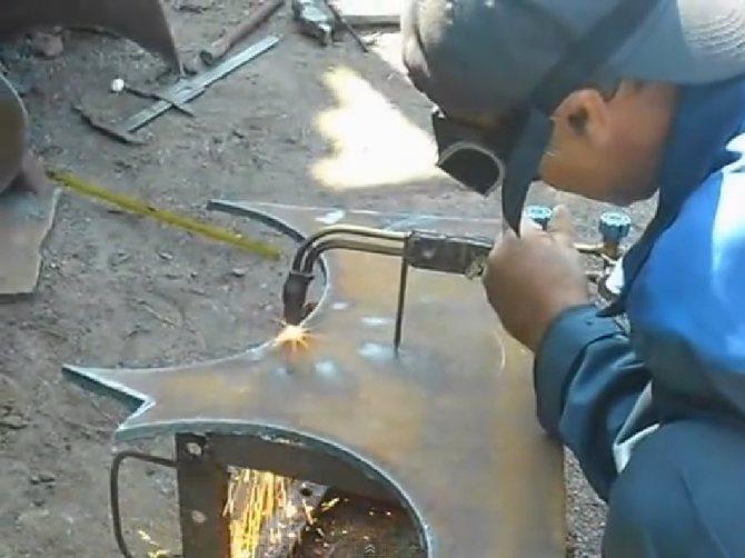 Газовая резка металла пропаном и кислородом