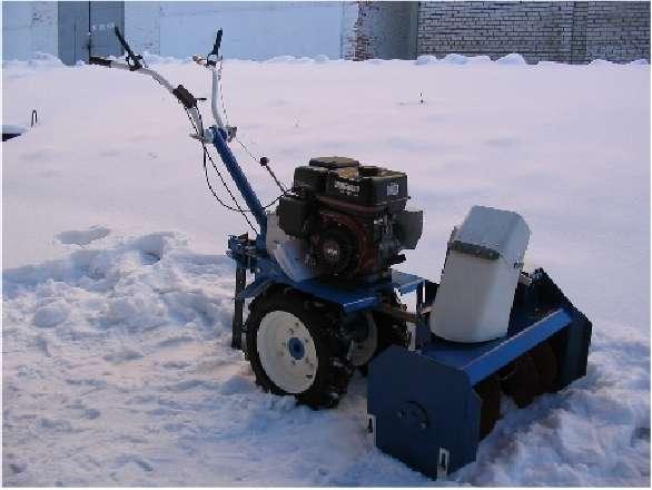 Мотоблок, снегоуборщик и газонокосилка – три в одном, с отвалом для уборки снега