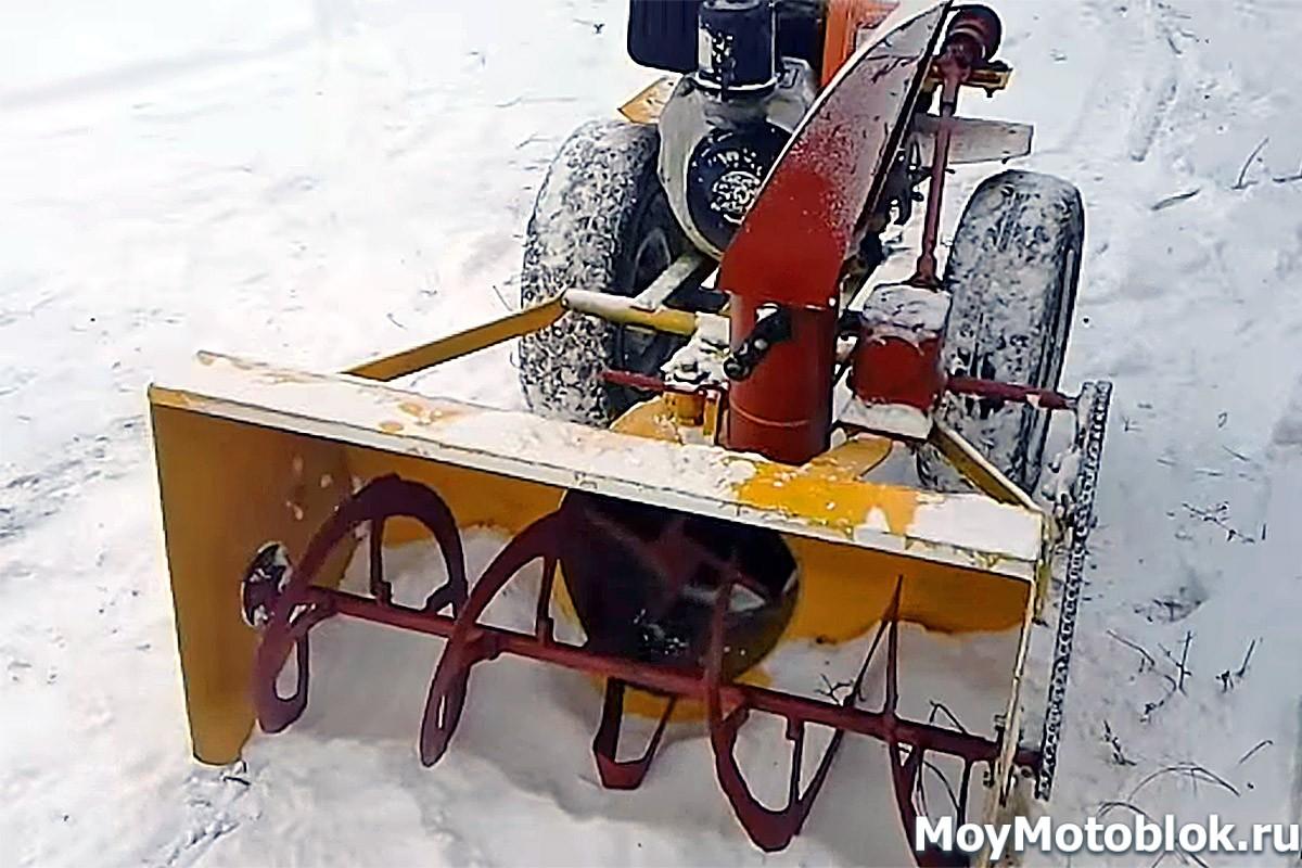 Мотоблок и снегоуборщик в одном (42 фото): особенности насадки для уборки снега, различия роторных снегоуборочных приставок и оборудования с лопатой