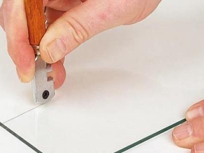 Как без стеклореза разрезать стекло в домашних условиях: бутылку, зеркало, чем можно заменить