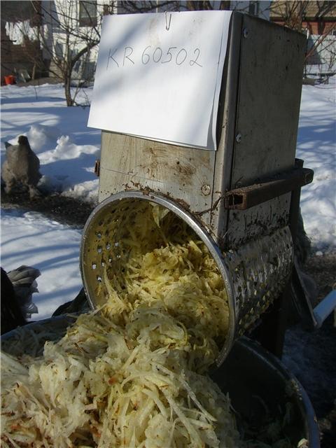 Корморезка своими руками: самодельная из стиральной машины для резки корнеплодов, измельчитель кормов из газового баллона и другие варианты