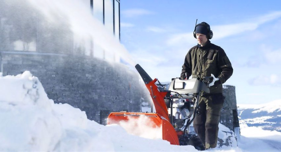 Топ-10 лучших электрических снегоуборщиков: рейтинг 2019-2020 года по надежности, технические характеристики, плюсы и минусы