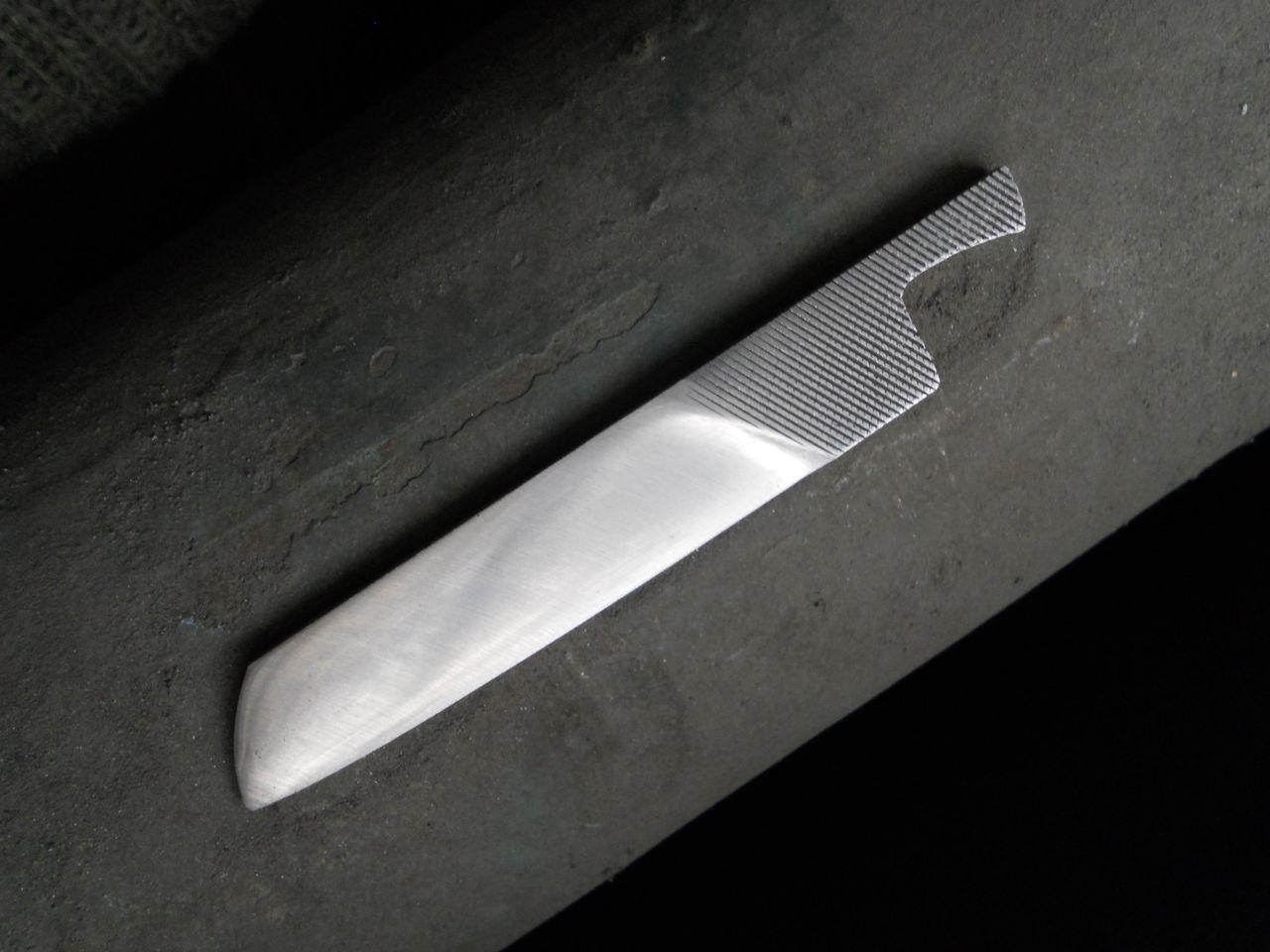 [лайфхак] эргономический нож из напильника