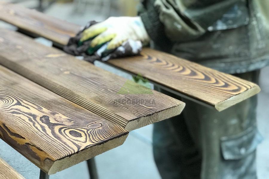Браширование древесины своими руками: особенности процесса, назначение, подбор инструментов :: syl.ru