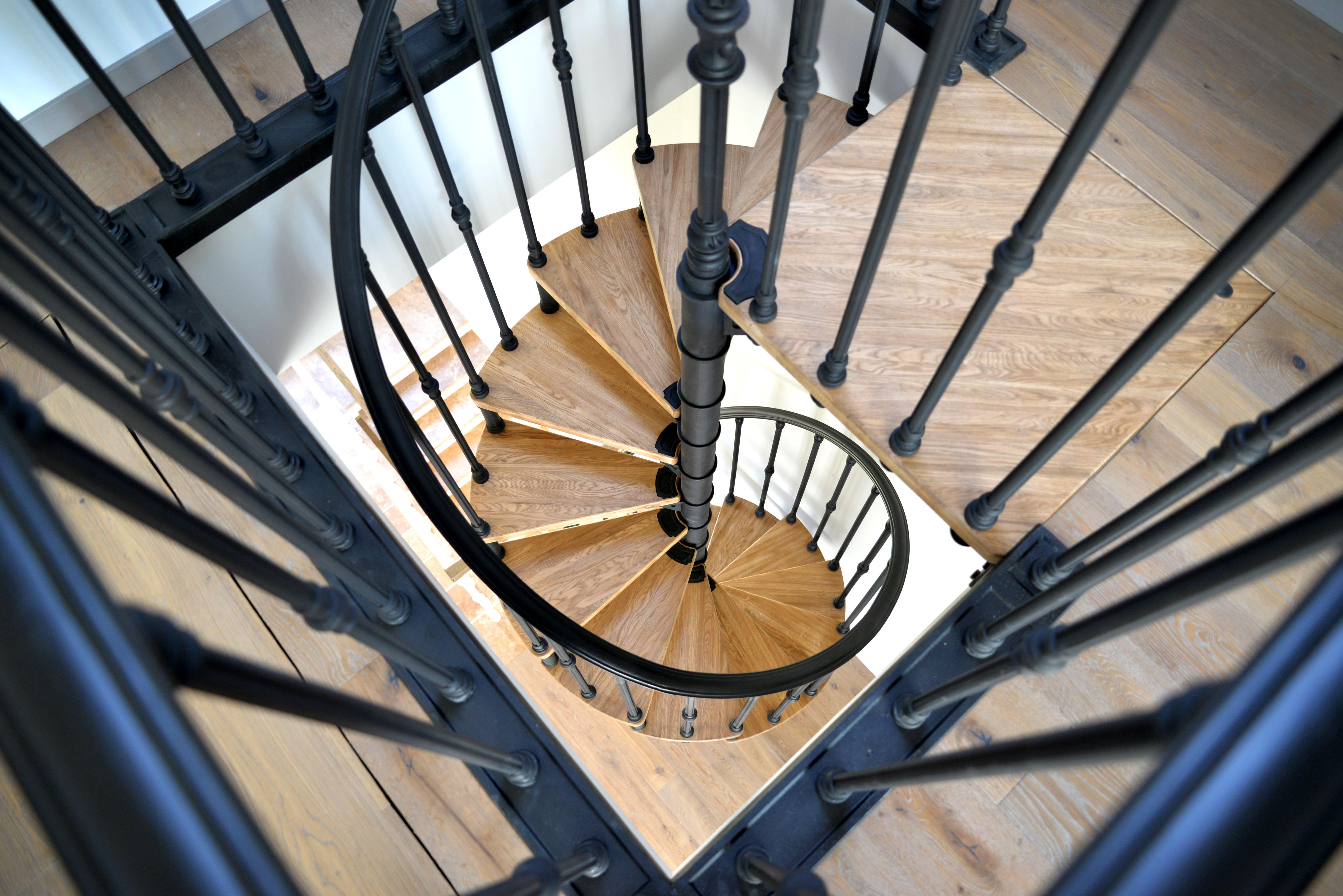 Кованые лестницы в интерьере - всё о лестницах