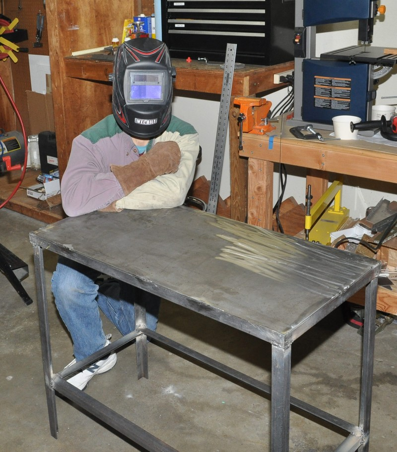 Сварочные столы своими руками: профильные трубы, уголки и другие материалы, необходимые инструменты, расчеты размеров, выбор типа изделия, фото и видео