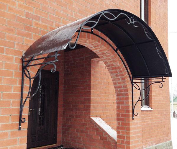 Кованые козырьки и сварные для входов, крылец, балконов и прочих мест; изделия художественной ковки, холодной и горячей, из поликарбоната и прочих материалов