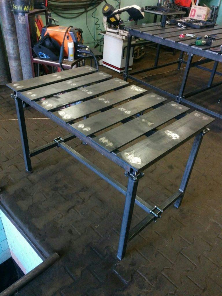Сварочный стол: как подготовить рабочее место сварщика своими руками?