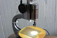 Самодельный универсальный сверлильный станок из фотоувеличителя