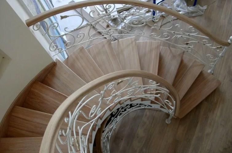 Кованые лестницы: виды конструкций, проектирование и изготовление