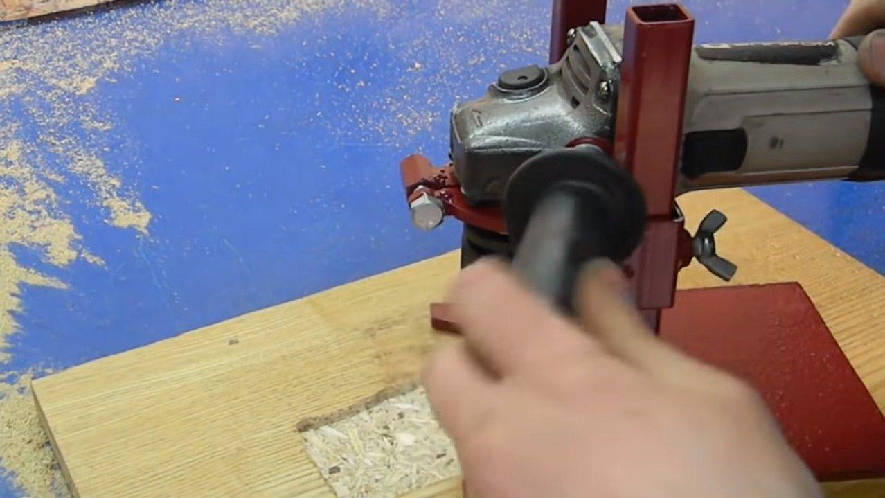 Фрезер из болгарки своими руками: как правильно сделать фрезеровочный агрегат по дереву, чертежи