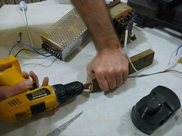 Если аккумулятор не держит заряд: модернизируем шуруповёрт для работы от домашней сети