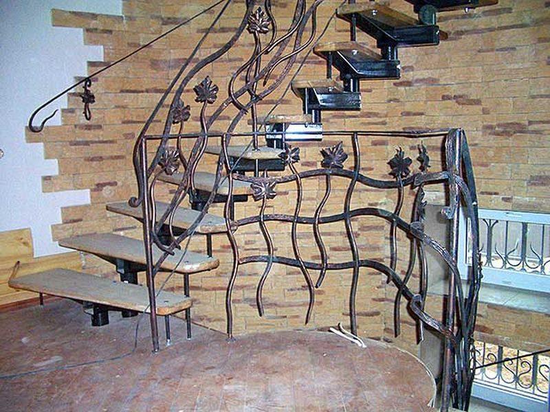 Кованые перила для лестниц, художественная ковка на страже безопасности лестничных маршей, изделия ручной работы, железные кружева, созданные руками кузнецов