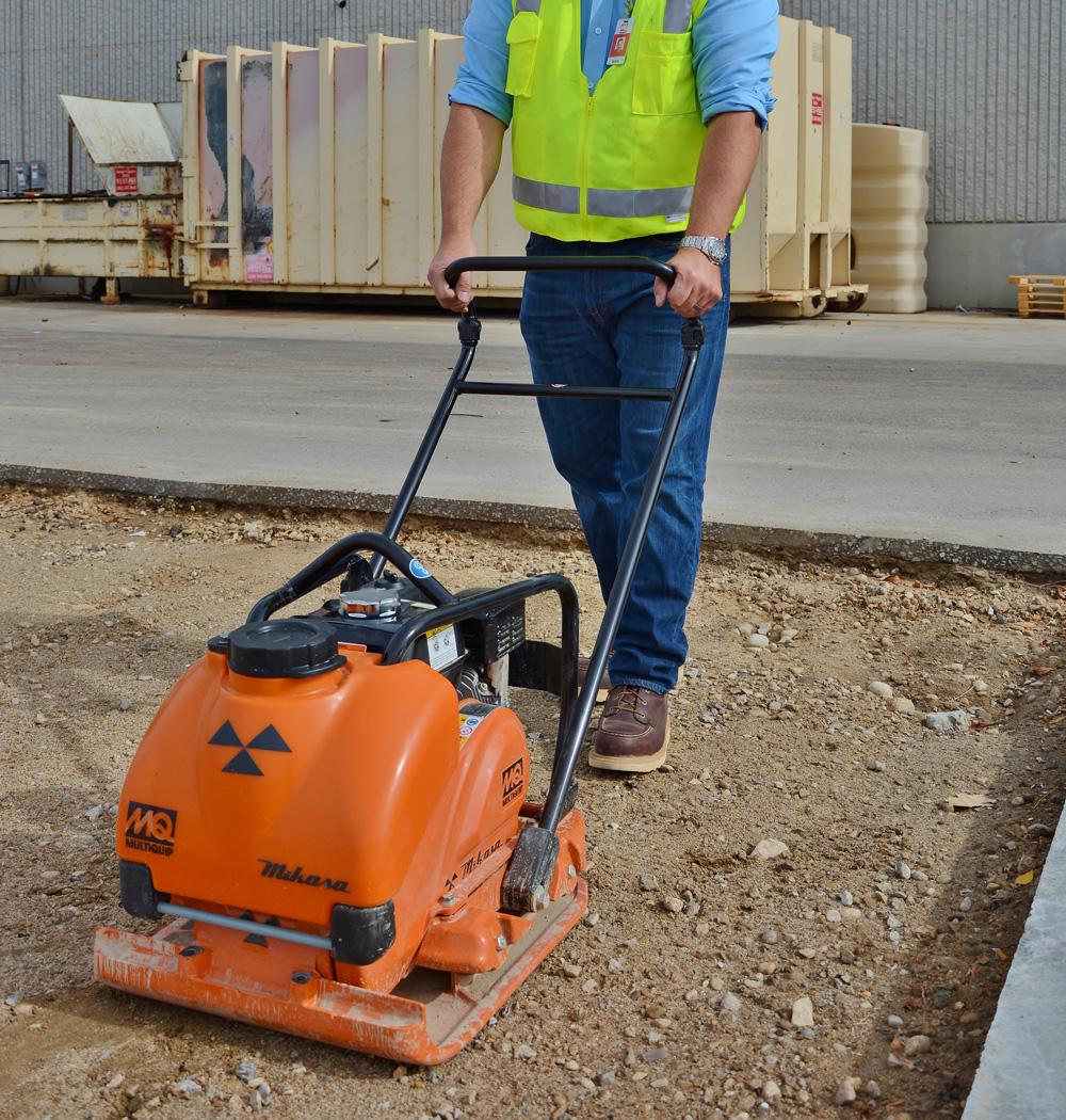 Виброплита для тротуарной плитки:трамбовка песка,уплотнение щебня,укладка тротуарной плитки