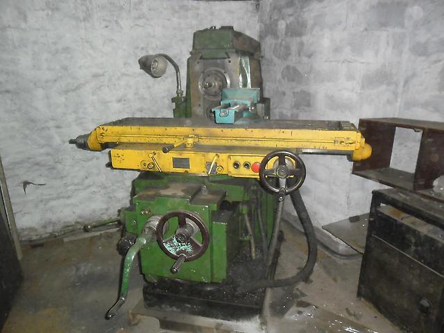 Безотказный труженик горизонтально-фрезерный консольный станок 6р82