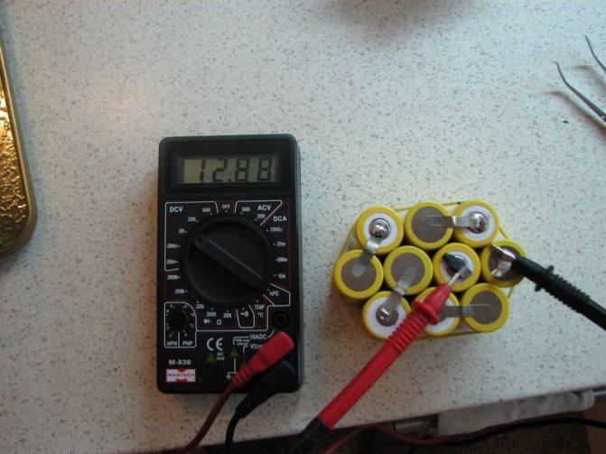 Как проверить аккумулятор шуруповерта мультиметром дома