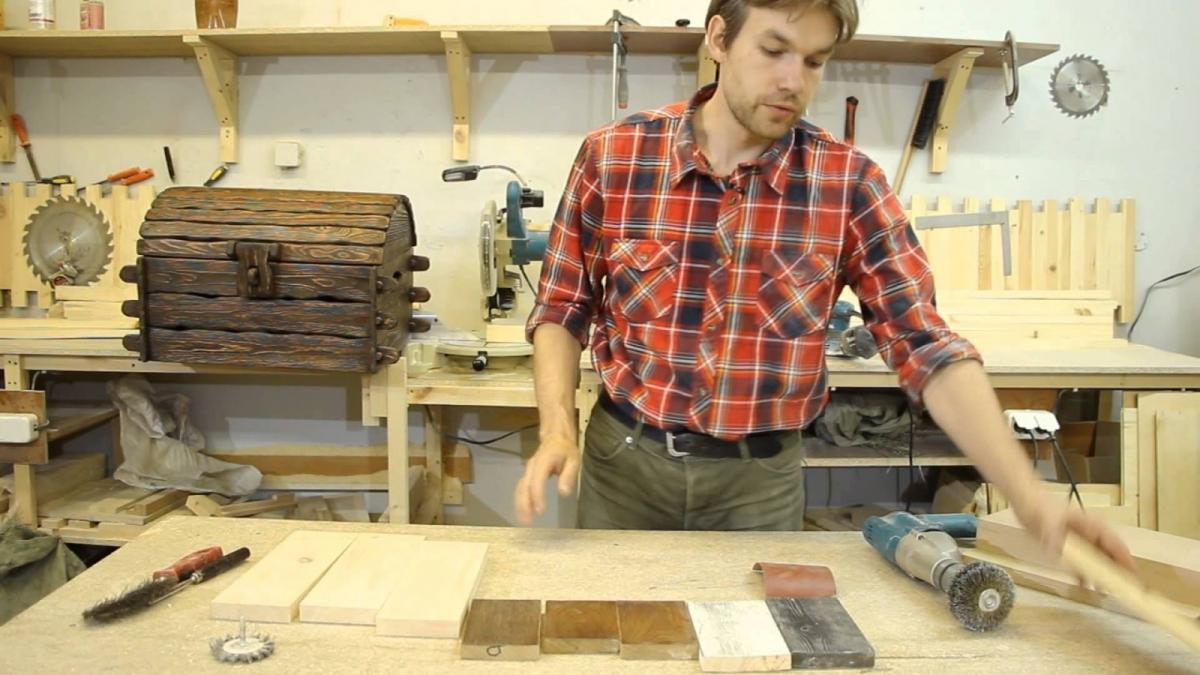Браширование древесины: что это за технология и можно ли обработать дерево самому