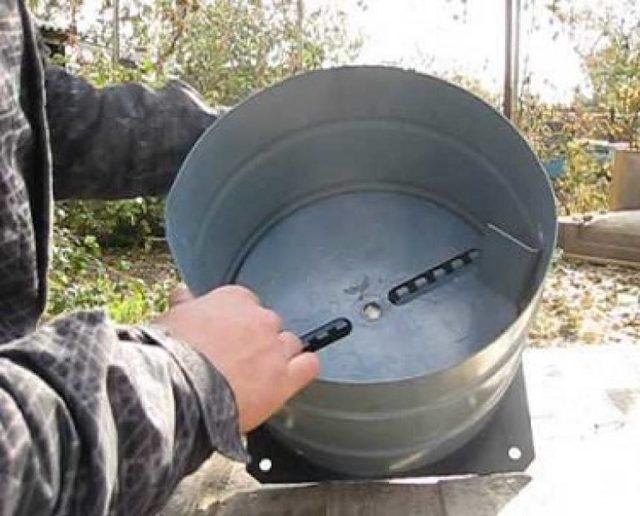 Как сделать электрическую и ручную корморезку своими руками: варианты, особенности изготовления, принцип работы