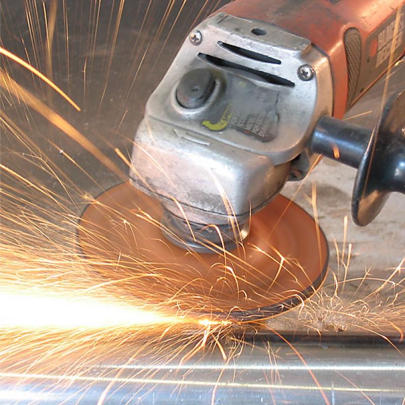 Зачистка и шлифовка: выбор подходящего процесса для вашего производства | italian machinery association