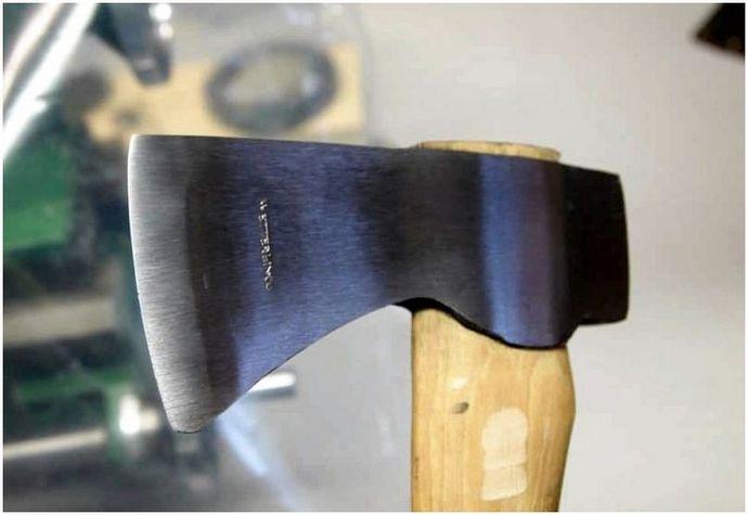 Заточка топора: как правильно выбрать угол и наточить инструмент