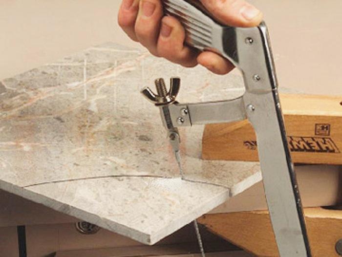 4 способа резки керамогранита: плиткорез, болгарка, гидроабразив