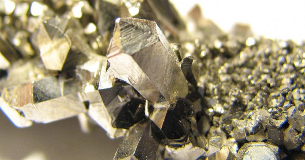 Редкоземельные металлы в электронике и технике, iphone в том числе | узнавай.онлайн