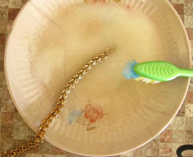 Чем чистить латунь в домашних условиях: средства