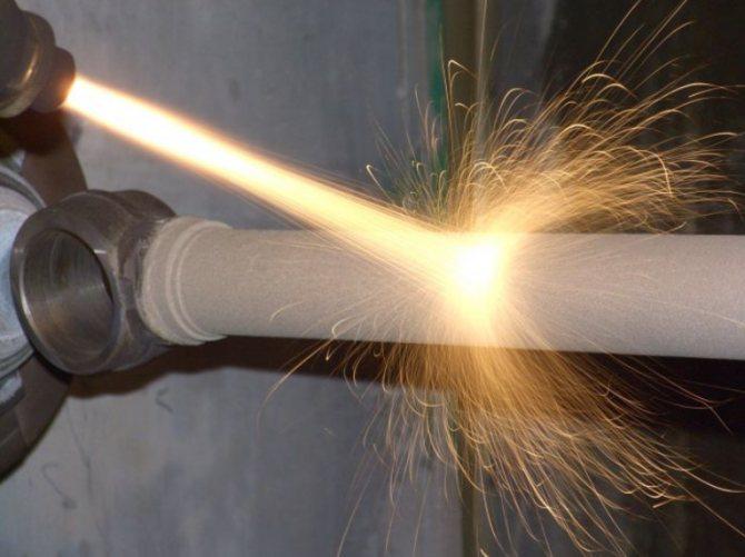 Напыление металла: обзор видов обработки и оборудования