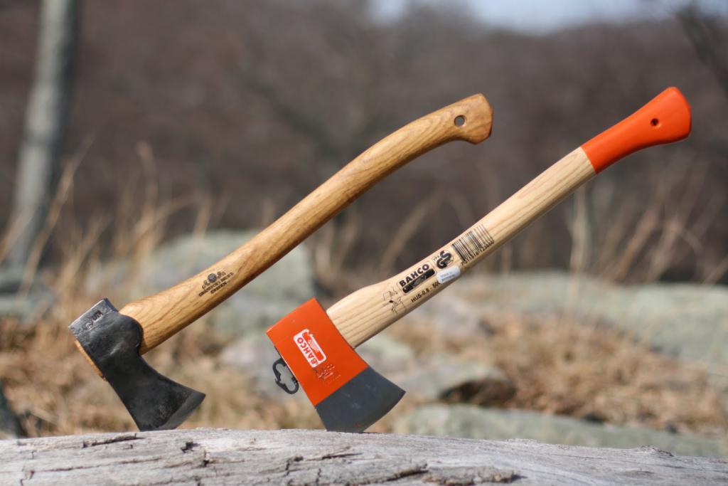 Как насадить топор на топорище