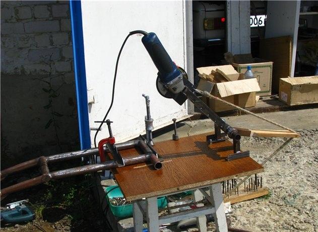 Как сделать самодельный торцовочный станок (торцовку) по дереву своими руками