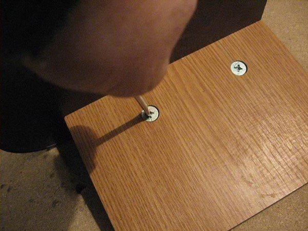 Установка мебельного эксцентрика